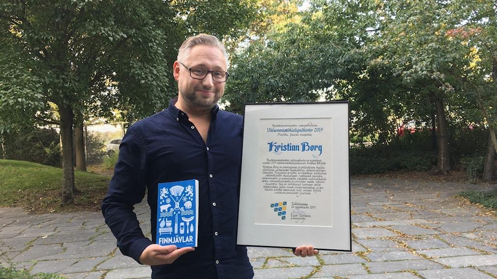 Kristian Borg, vuoden 2019 vähemmistökielipalkinnon saaja.