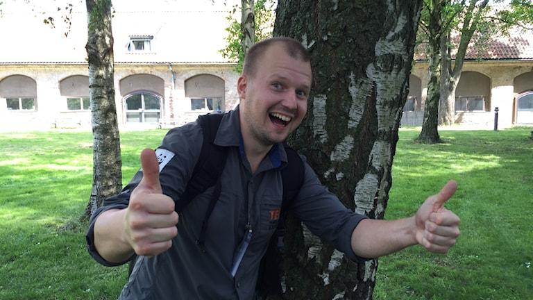 Nicklas Lautakoski Tukholman radiotalon pihalla