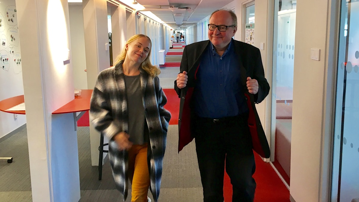 Matilda Peltonen ja Jorma Ikäheimo catwalkilla.