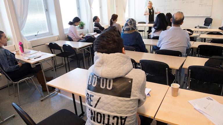 Kuvassa näkyy SFI-luokka takaa kuvattuna.