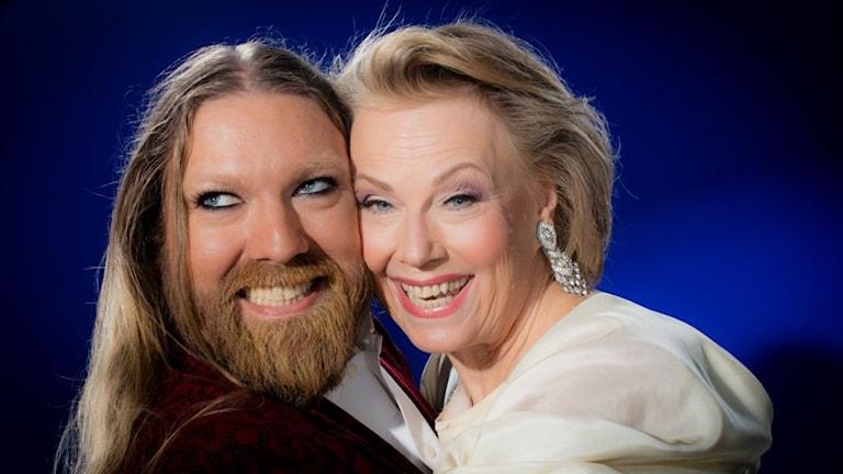 Rickard Söderberg ja Arja Saijonmaa ovat yhdessä joulukiertueella.