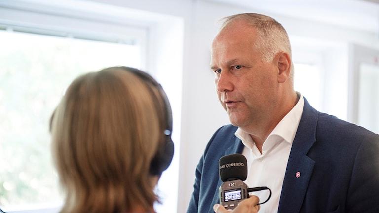 Vasemmistopuolueen puheenjohtaja Jonas Sjöstedt Sisuradion haastattelussa.