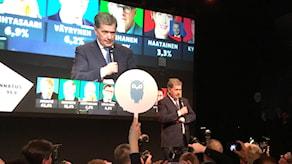 Sauli Niinistö kiittää kannattiansa vaalivalvojaisissa