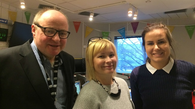 Jorma Ikäheimo, Josefine Sundström och Marika Pietilä i studion.