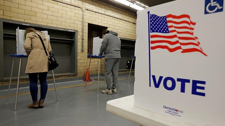 Kuva äänestyspaikalta Indianapolisista tiistailta. Ulkoyhdysvaltalaiset ovat postittaneet omat äänensä.