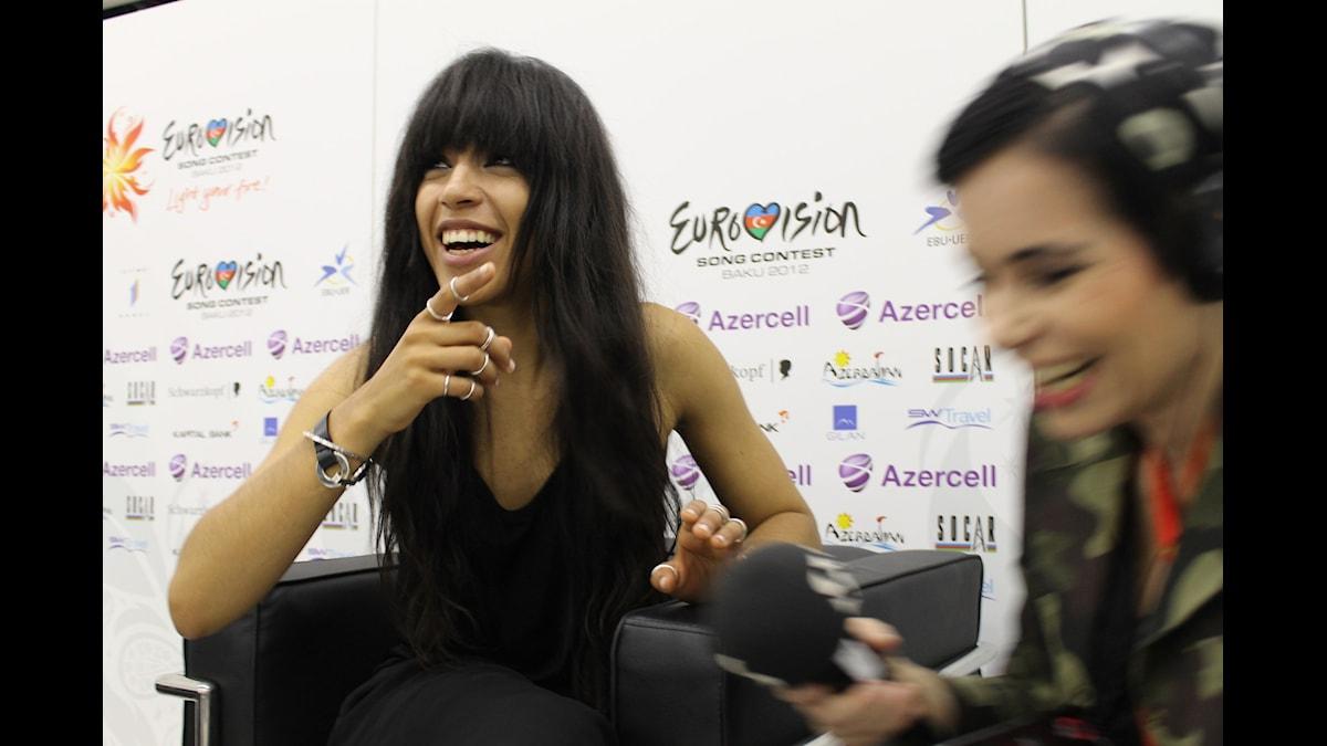 Loreen och Carolina Norén i Baku på Eurovision Song Contest 2012. Foto: Ronnie Ritterland / Sveriges Radio