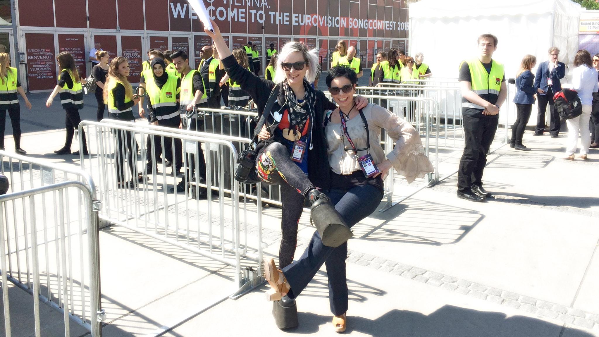 Ronnie Ritterland och Carolina Norén på Eurovision Song Contest 2015 i Wien. Foto: Sveriges Radio