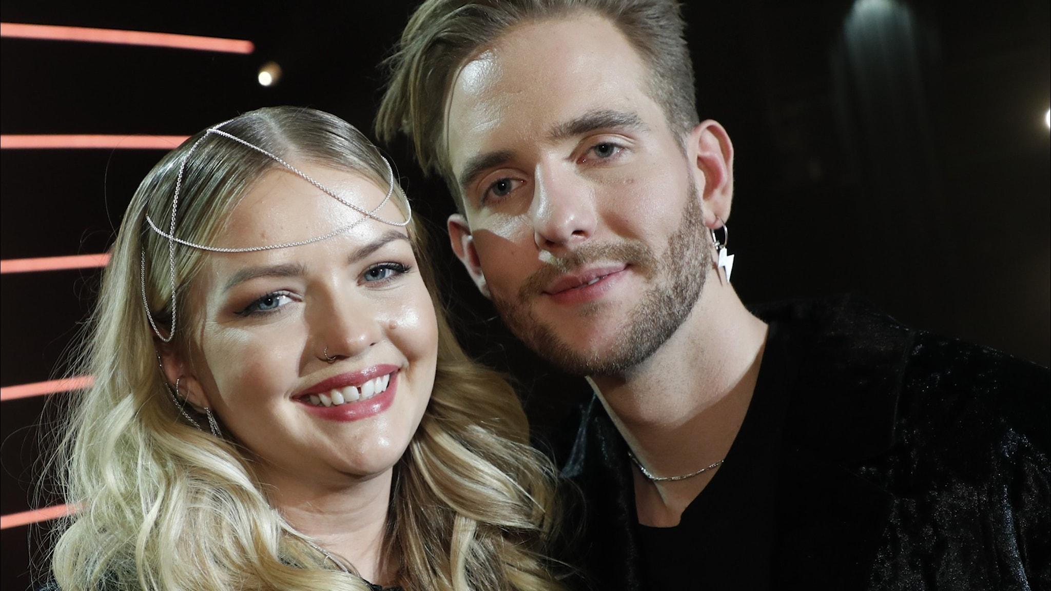 Smith & Thell (Victor Thell och Maria Jane Smith) får sin tredje etta på Svensktoppen. Bilden är tagen i samband med att de får  priset Årets kompositör under Grammisgalan 2020 i Globen Annexet.