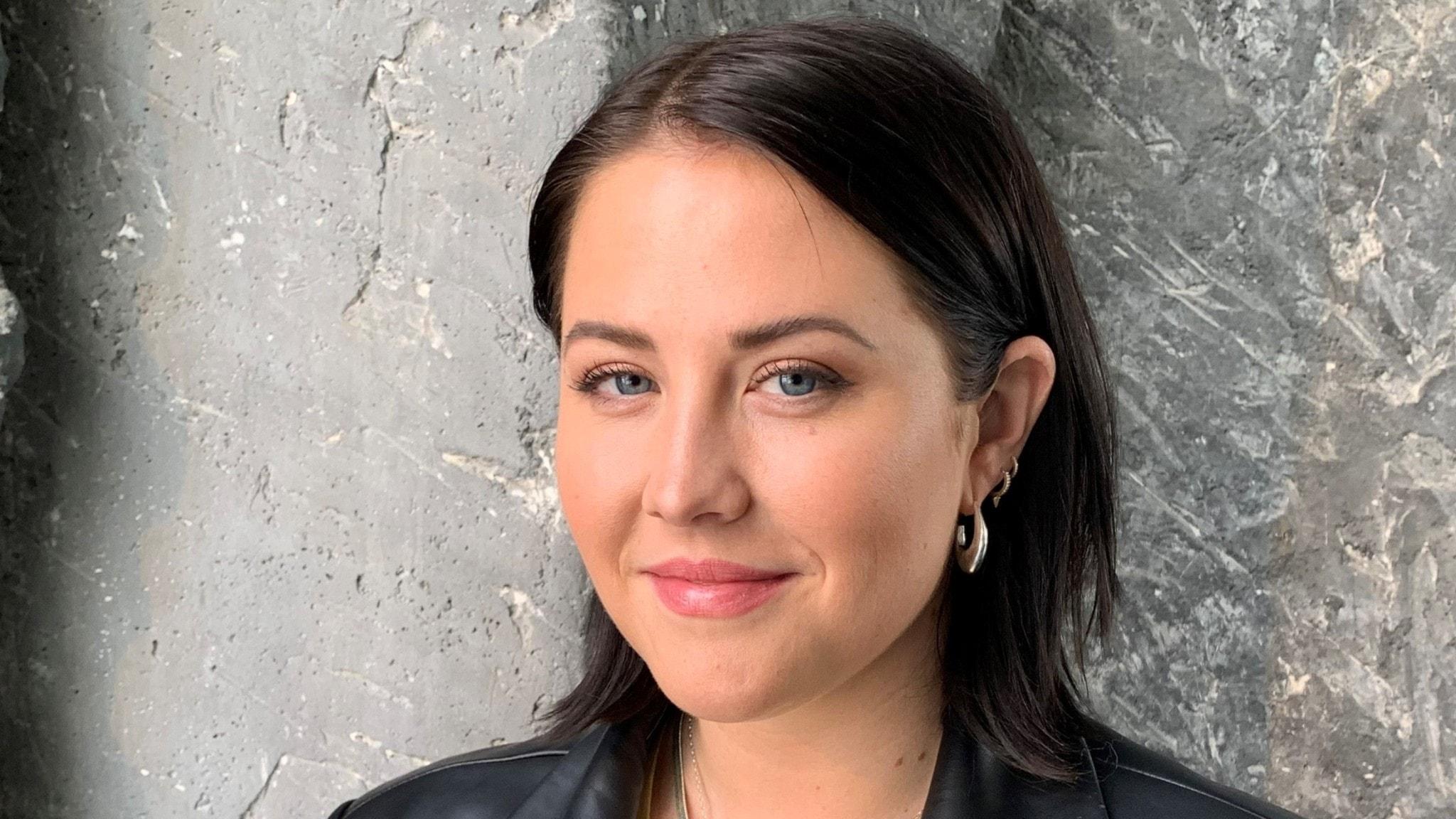 """Molly Sandén går rakt in på fjärdeplatsen på Svensktoppen med """"Nån Annan Nu""""."""