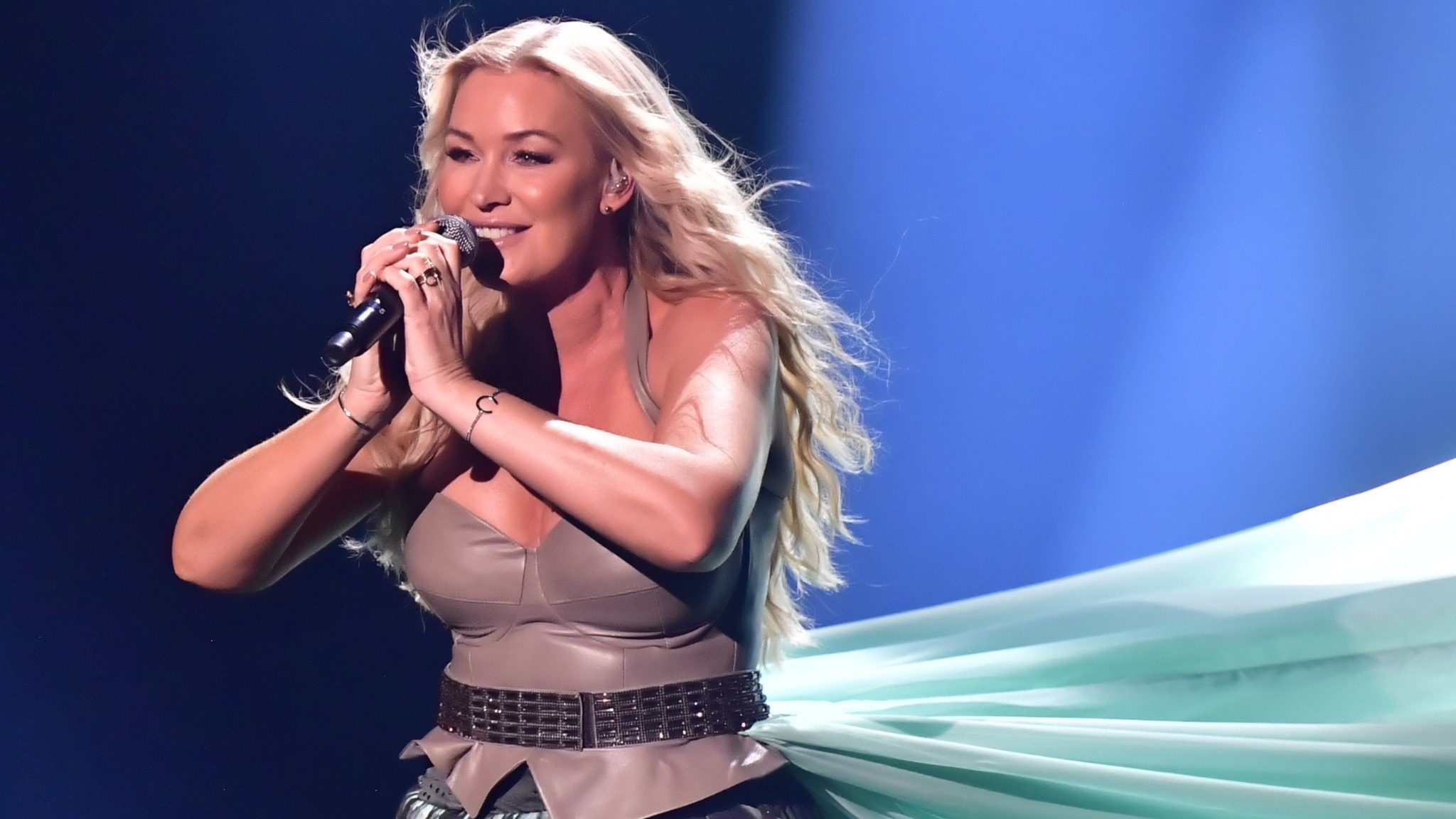 """Jessica Andersson med låten """" Horizon"""" blev utslagen vid Melodifestivalens första deltävling i Annexet på lördagen"""