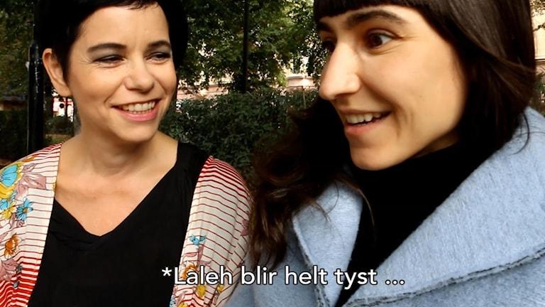 Laleh får en glädjechock när Svensktoppens programledare Carolina Norén berättar den glada nyheten.