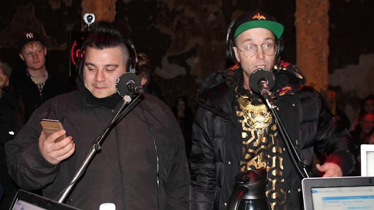 Beatzzeria reppar Coola kidz och Pontus Andersen, genom att köra en sång med Fre