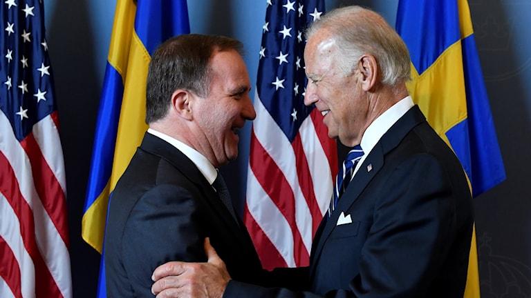 USAs vice president Joe Biden tas emot av statsminister Stefan Löfven i Rosenbad i Stockholm.