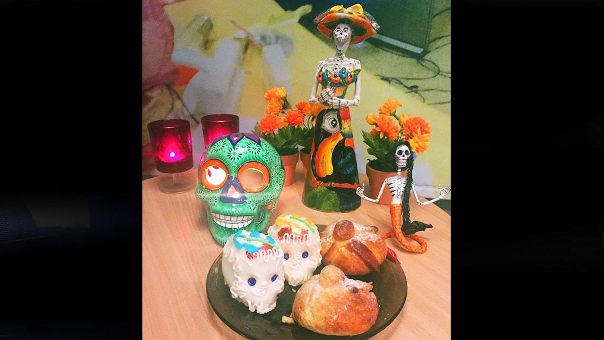 Dia de Muertos-firande i studion. Foto: Paulo Saka/SR
