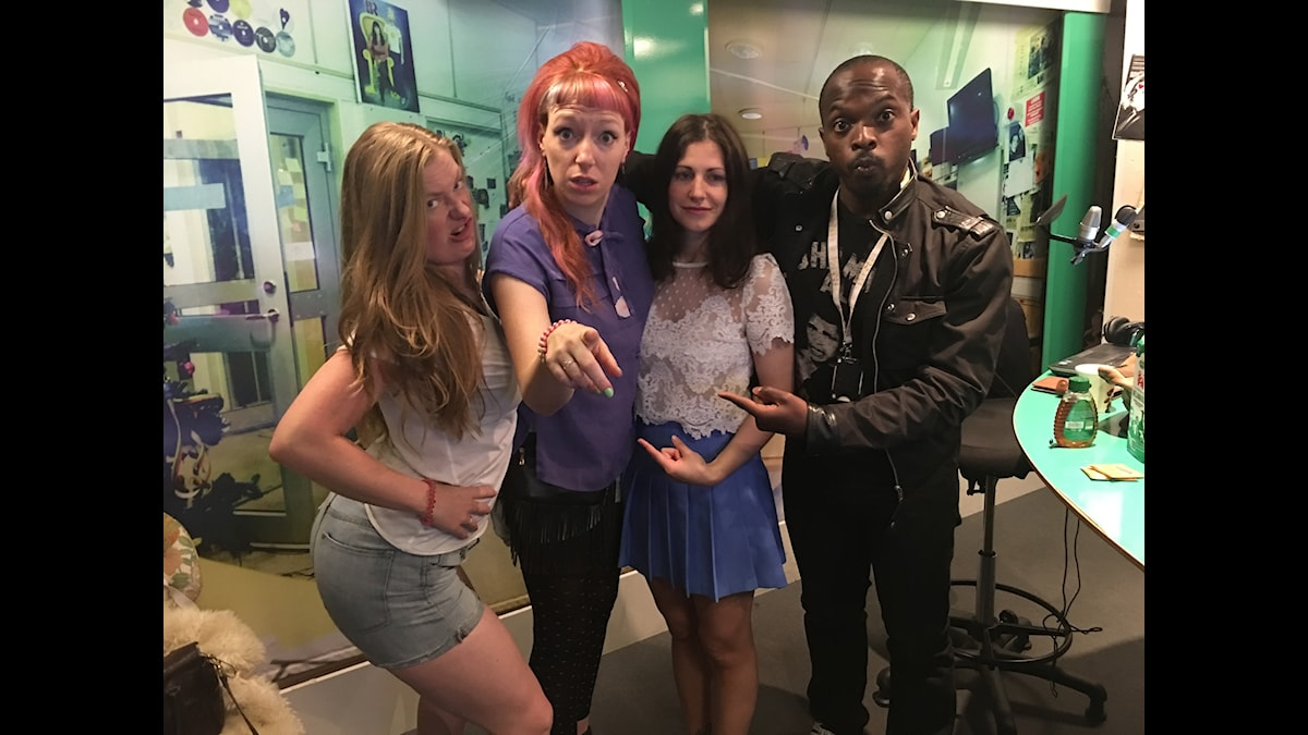 Sara, Josefinito, Nour och Kodjo lördagsmyser. Foto: Isabel Eriksson/Sveriges Radio