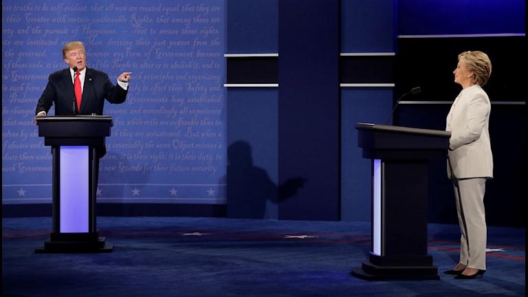 Donald Trump och Hillary Clinton under den sista presidentdebatten