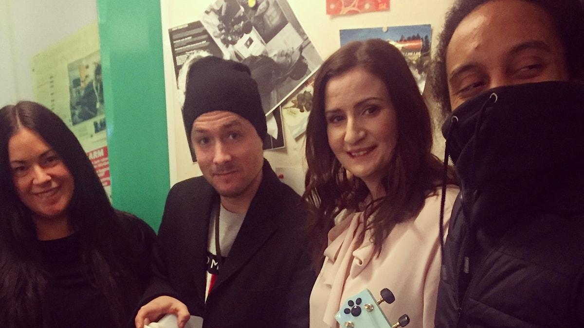 Martina, David, Birgitta Ohlsson och Victor är i studion!
