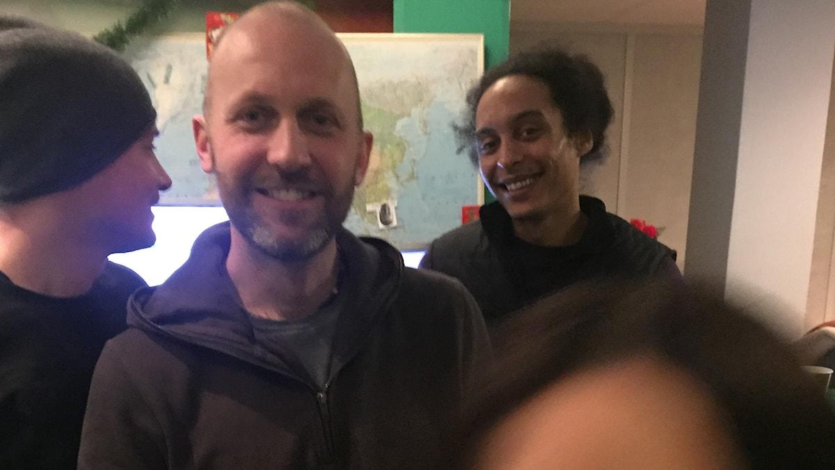 David, Christoffer Björkwall, Victor och Martina (som låtsas vara en tornado) i studion!