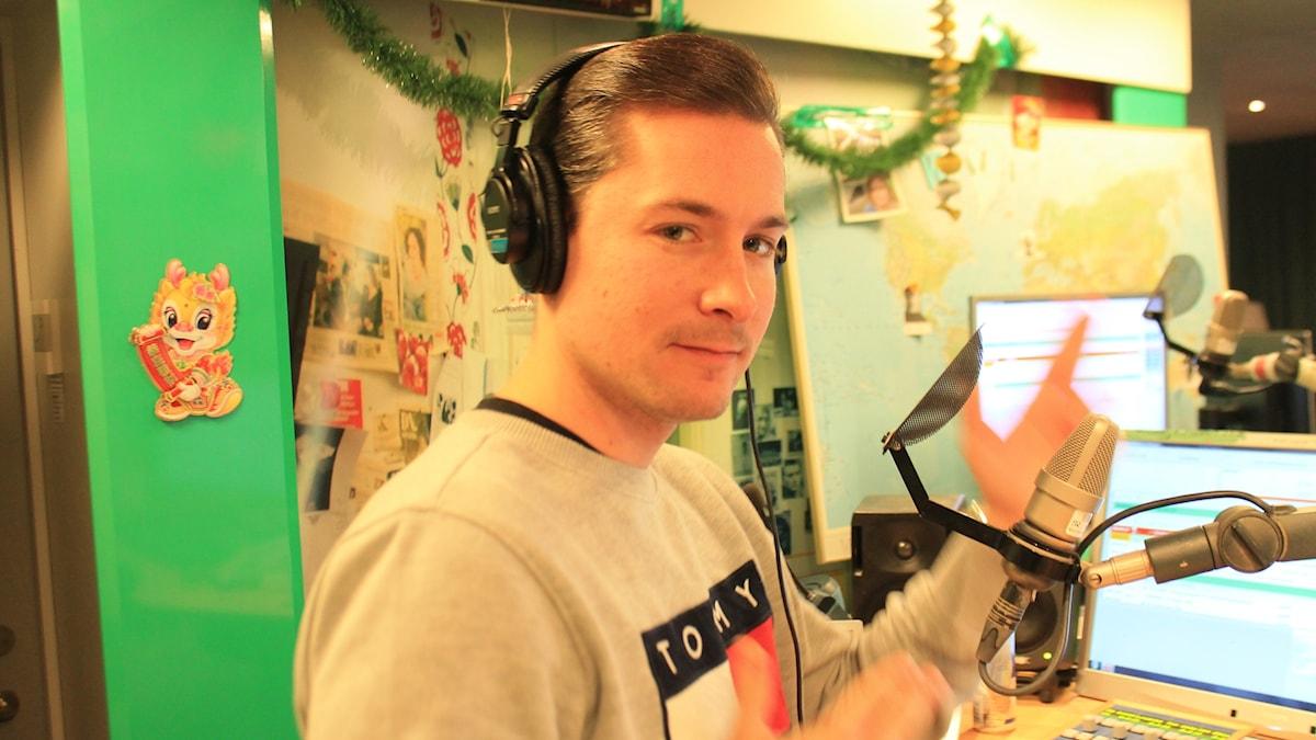 David får syn på kameran och ger oss lite kärlek!