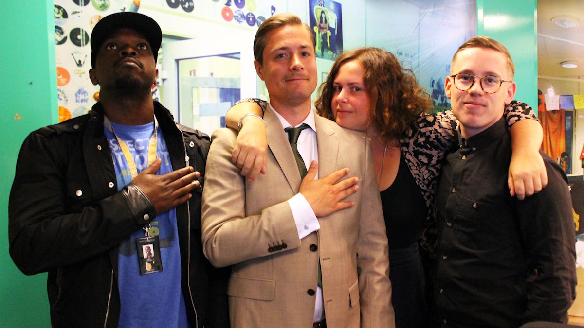Kodjo, David, Hanna och Oskar Pernefeldt i studion. Foto: Paulo Saka/SR