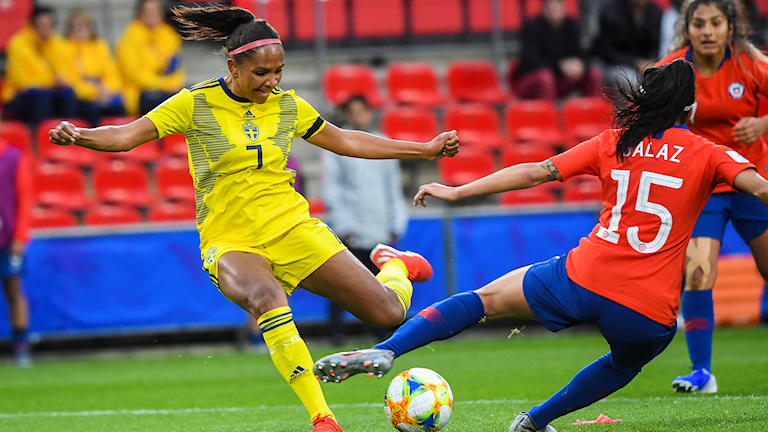 Madelen Janogy about to score the second goal for Sweden in the women's world cup.