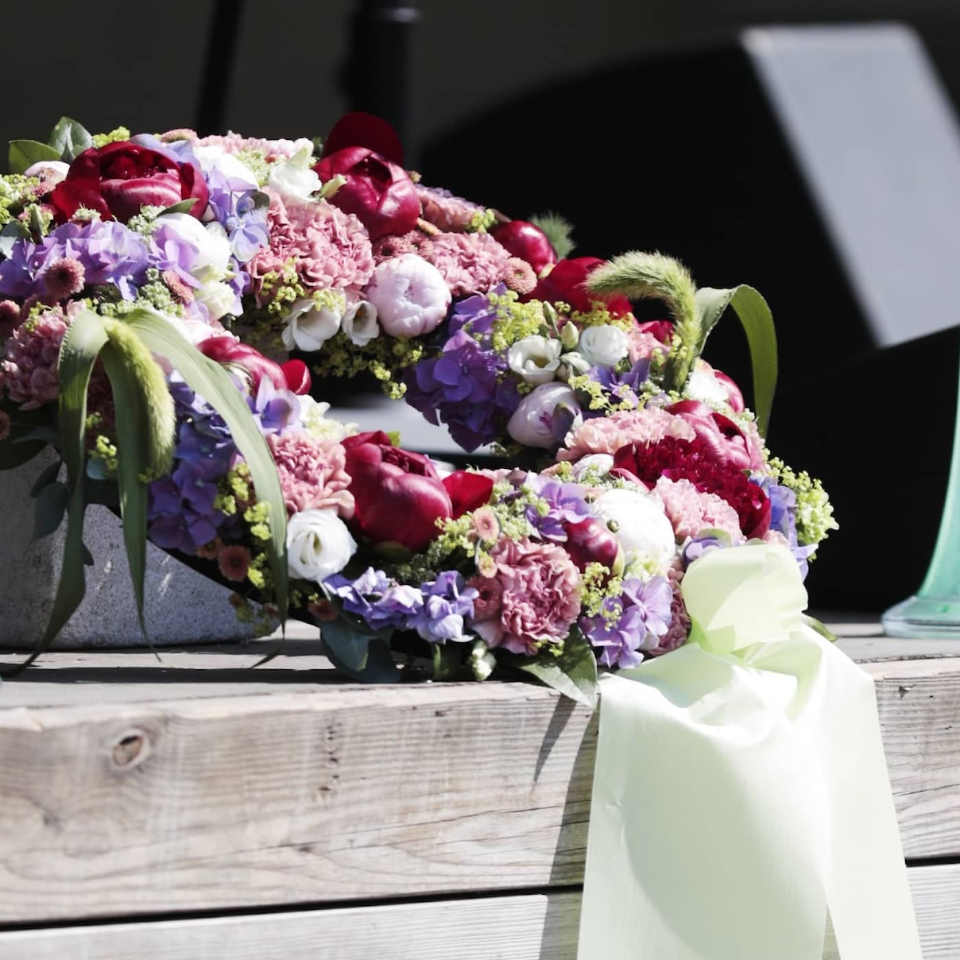 Lack of cement supplies, updates on Estonia disaster, memorial service for plane crash victims