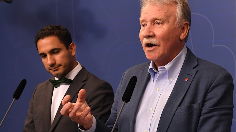 Ilmar Reepalu (right) and Ardalan Shekarabi (left) announce the final conclusions of the Reepalu report.