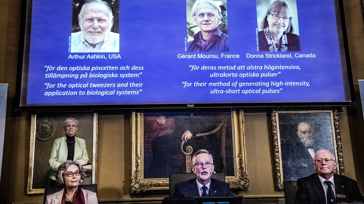 The presentation of the Physics Nobel Prize at a press conference.