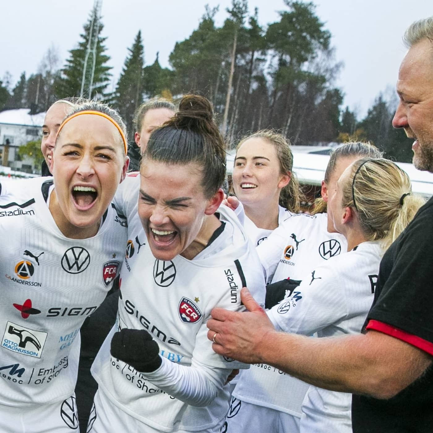 Uppsala loses court battle with military, Estonia dive footage released, Rosengård wins women's football league