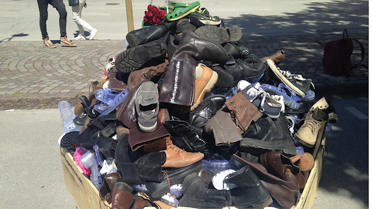The shoe protest near the place where the Neo-Nazi NRM will have a stall in Almedalen Week.