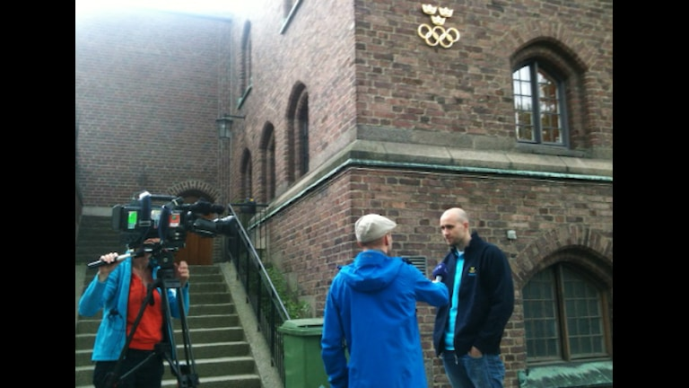Swimmer Stefan Nyström being intervied by Swedish Television. Photo: Radio Sweden