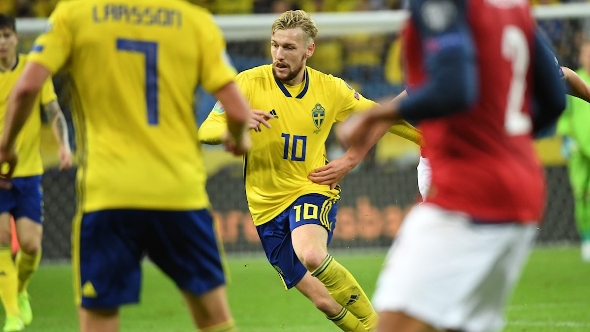 Emil Forsberg has called for equal compensation for the Swedish women's national team