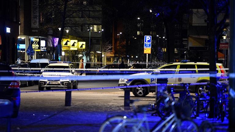 A 20 year old man was shot dead near Möllevångstorget on Sunday night.