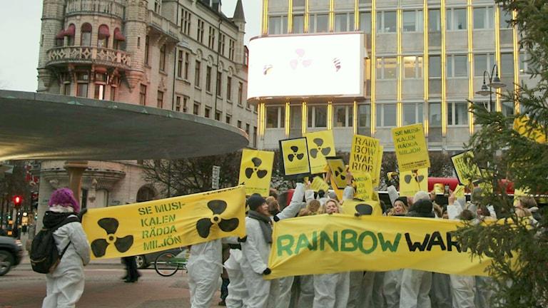 Marching to promote Rainbow Warrior musical by Viktor Rydberg High School. Photo: Anna Enstam.