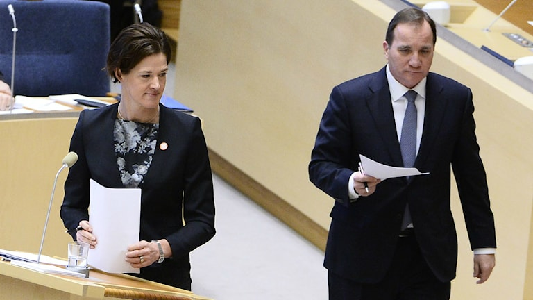 Stefan Löfven ( S ) and Anna Kinberg Batra (M) during a party leader debate in Parliament in January 2015. Photo: Claudio Bresciani.
