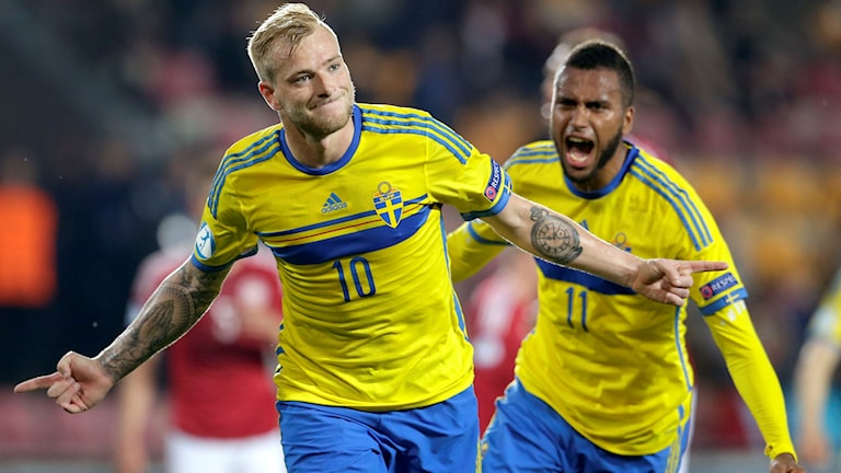 Guidetti and Kiese Thelin celebrating. Photo: AP Photo/Petr David Josek/TT