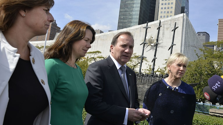 Foreign Minister Margot Wallström, far right, outside UN headquarters in New York. Photo: Tina Magnergård-Bjers / TT.