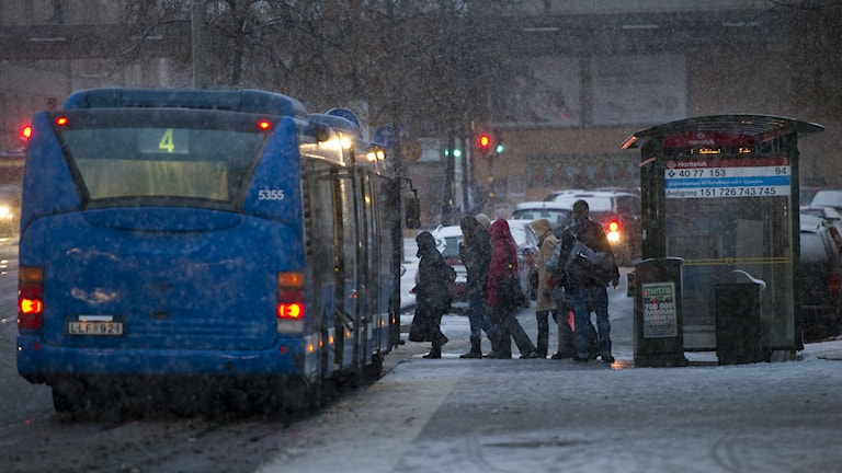 Passengers boarding a bus in Stockholm. File photo: Leif R Jansson / TT.