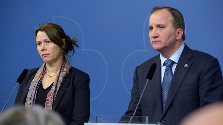 Åsa Romson, Green Party, and Prime Minister Stefan Löfven, at a pressconference. Photo: Janerik Henriksson / TT