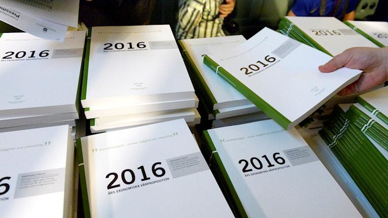 The government's spring budget proposal. Photo: Janerik Henriksson / TT.