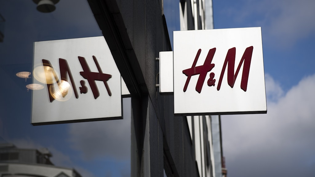 H & M sign.