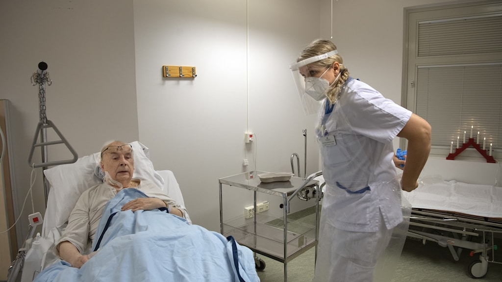 The increased flow of new patients in hospitals are younger people.