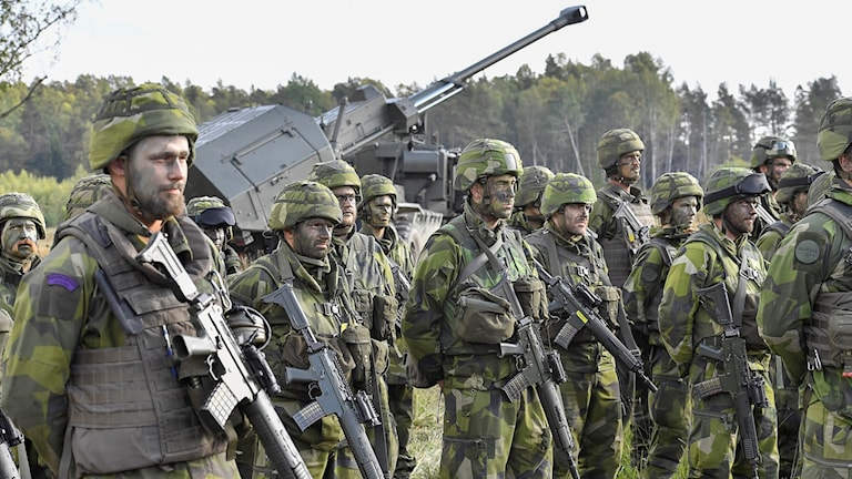 Sweden's Armed Forces has struggled to attract recruits for many years. Here are some soldiers during the Aurora 17 military manouevres last year.