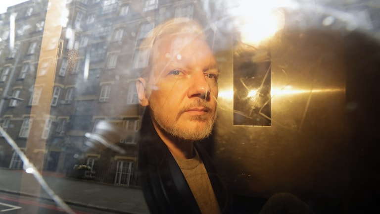 Prosecutor has not yet decided whether to question Julian Assange - Radio Sweden