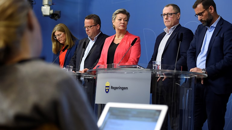 Employment minister Ylva Johansson with union and employer representatives.