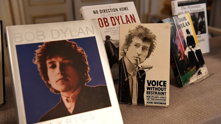 Books by and about Bob Dylan.