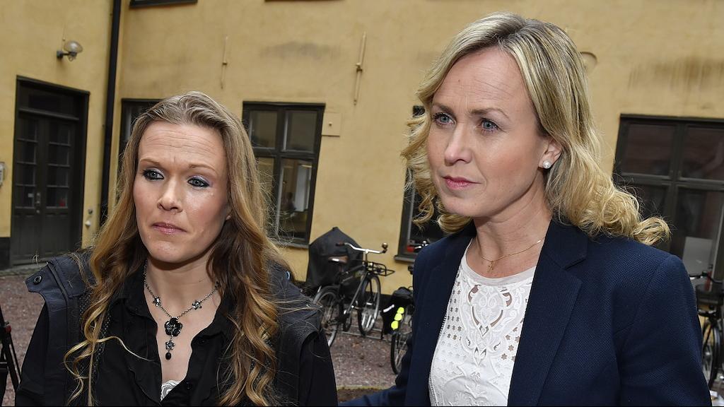 Ellinor Grimmark with her legal advisor Ruth Nordström leaving the courtroom