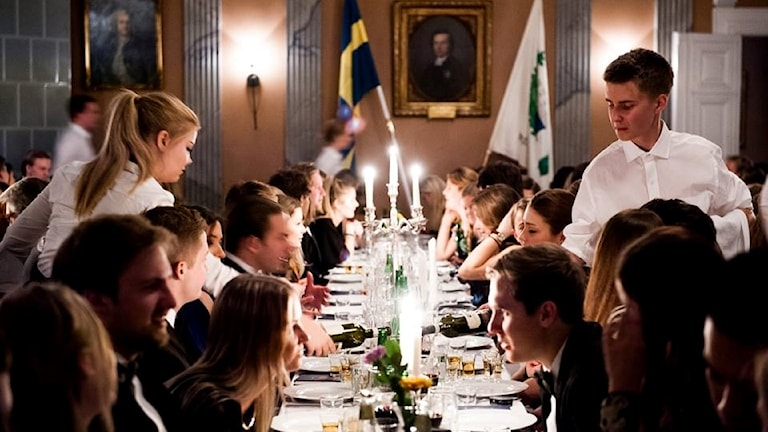 Each nation host formal dinners throughout the year called gasques.