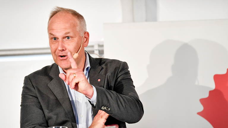 Jonas Sjöstedt makes a point at Almedalen