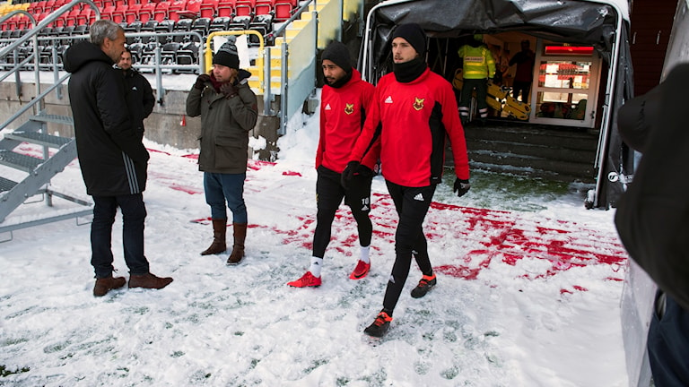 The players of Östersund are used to the snowy conditions as they prepare for Thursday night's game against Arsenal.